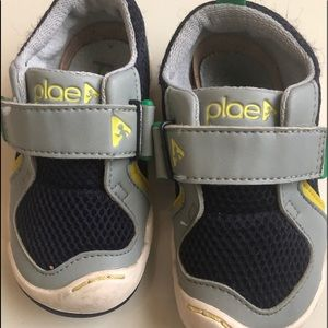 Toddler boys plae shoes